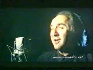 O ozbiljnom deficitu ratne tematike svjedoči i činjenica da je jednu od najljepših pjesama o ratu u Hrvatskoj otpjevao Vladimir Kočiš Zec