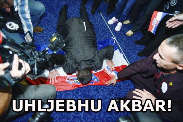 Zagreb, 08.11.2015 - Slavlje u stozeru Domoljubne koalicije nakon prvih rezultata DIP-a
