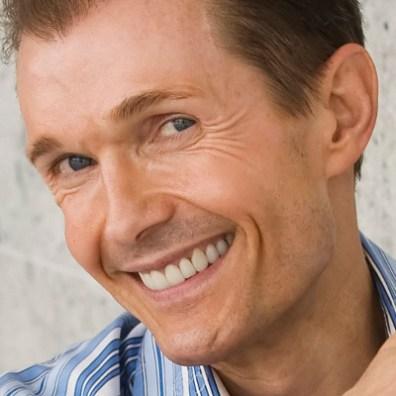 Ole Henriksen, forfatter og skønhedsguru