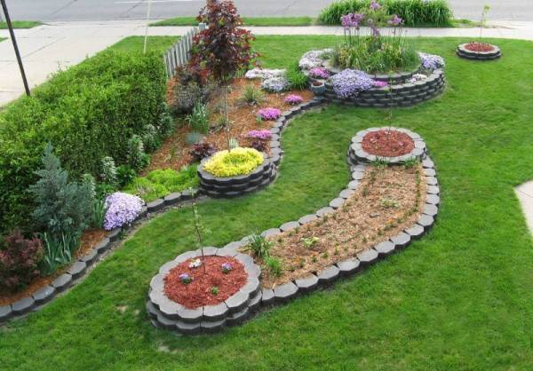Curved Garden Shapes Also Look More Natural And Are Much More Pleasing To  The Eye Than Sharp Edges And Straight Lines.