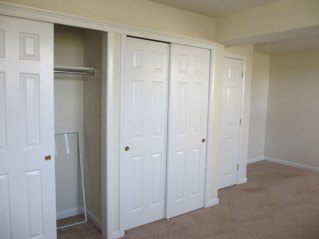 Type G 1 Bedroom Closet