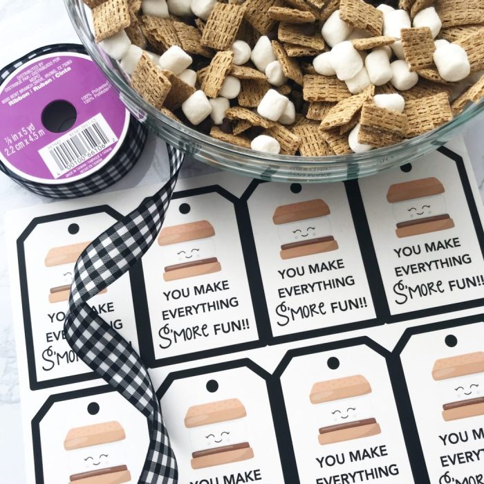 S'mores trail mix favor tags