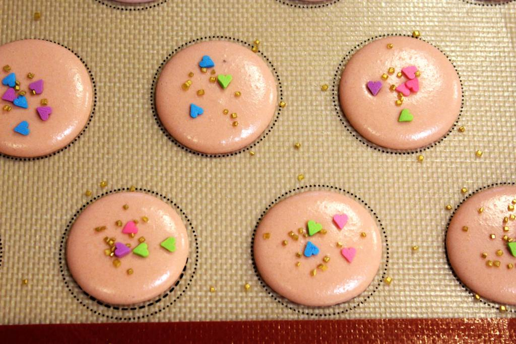 French Macarons with Sprinkles - Decorate French Macarons