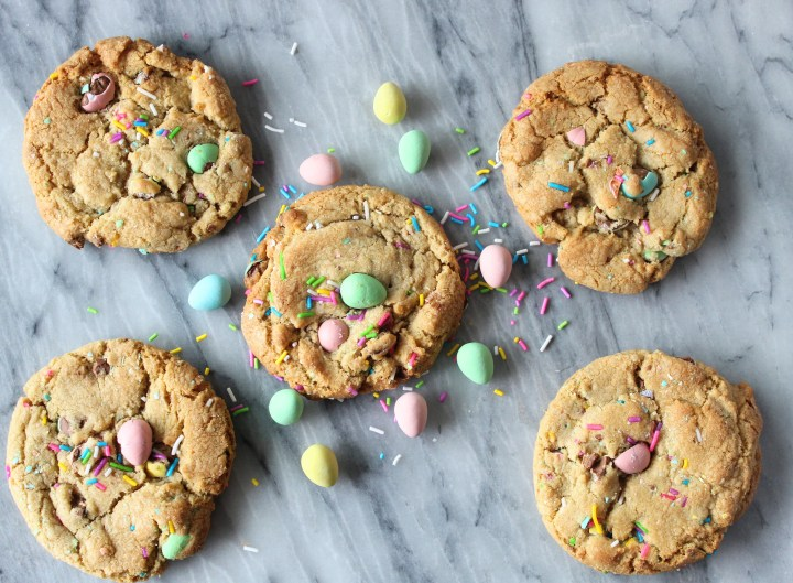 Recipe for Mini Egg Chocolate Chip Cookie