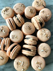 Five Ideas to Decorate Macarons