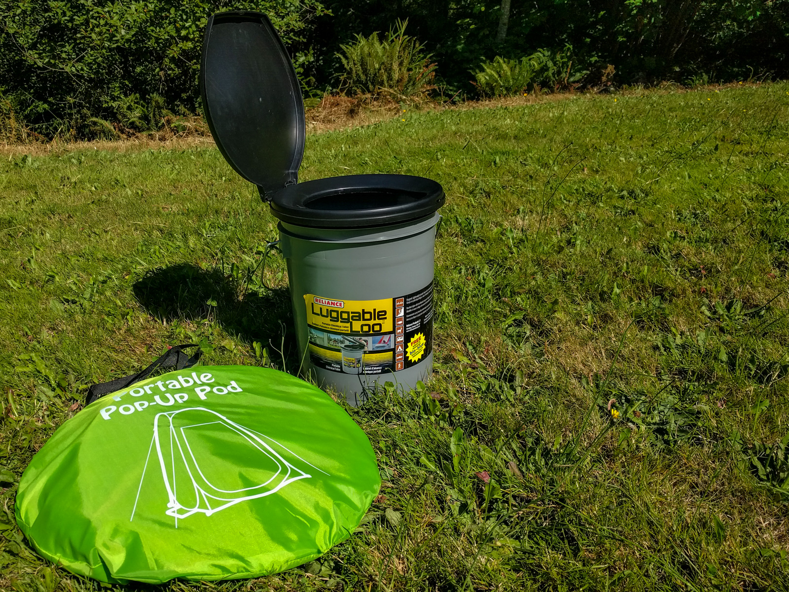 5 gallon Reliance poop bucket with toilet seat lid