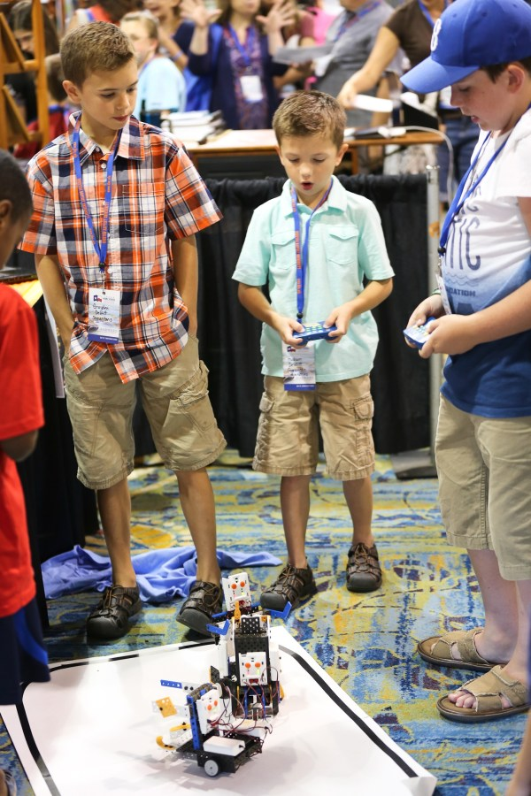 Getting in some STEM in the THSC Vendor Hall