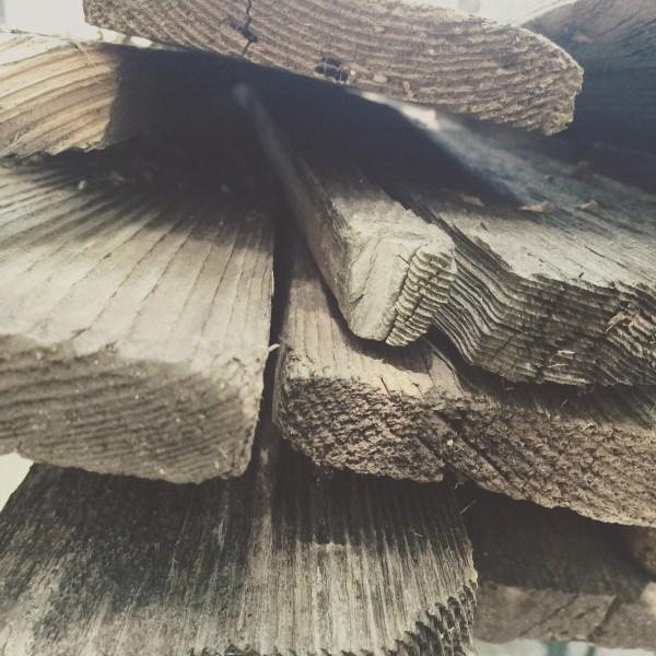 Reclaimed Fence Wood Project via @sprittibee
