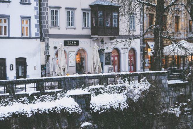 ljublijana slovenia guide cafe coffee kavarna moderna cafe Čokl tozd escobar sprudge