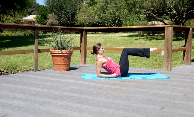 leg-stretch-home-exercise-health-spry-2