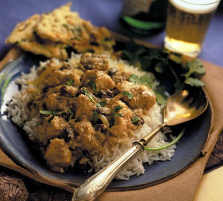 california_raisin-almond_chicken_curry_(murghi_kismis_salan)