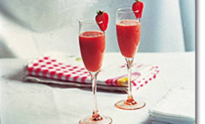 apple,_banana_and_strawberry_froth