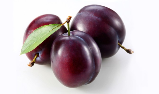 Plums: Natural Weight-Loss Foods