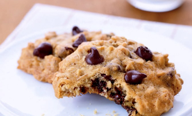 healthy-chocolate-chip-oatmeal-cookie-sweet-treat-dessert-snack-spry
