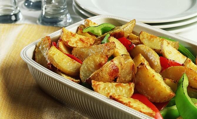 parmesan_potato_wedges-relish.jpg