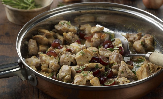 chicken_with_grapes_and_rosemary-relish.jpg