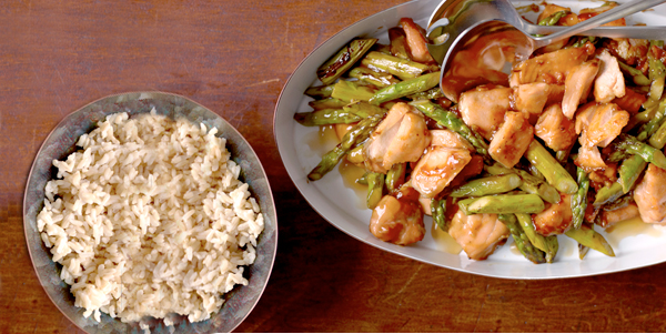 wok-seared_wild_salmon-asparagus-weight-watcher-recipe-health-diet-food-spry