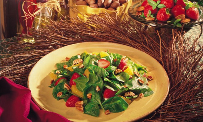 festive-spinach-and-georgia-pecan-salad.jpg