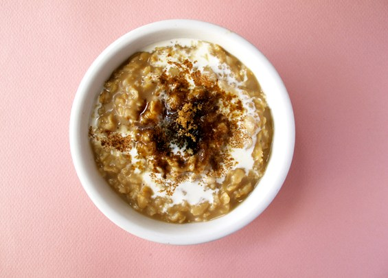 o22-oatmeal-topping-health-breakfast-chai-cloves-spry