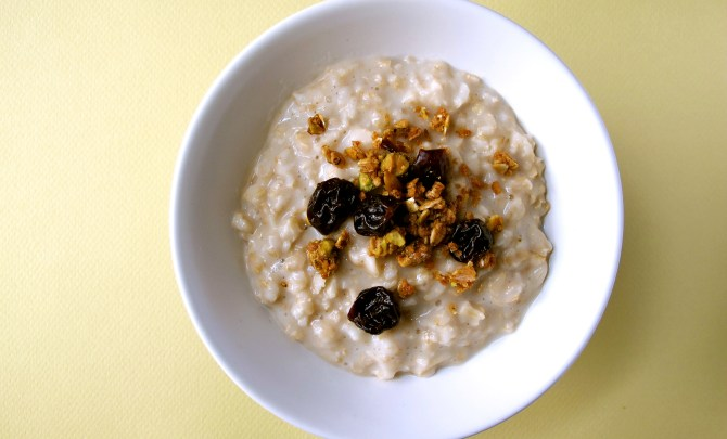 o3-oatmeal-topping-health-breakfast-granola-cherry-spry