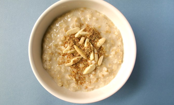 o5-oatmeal-topping-health-breakfast-flax-honey-almonds-spry