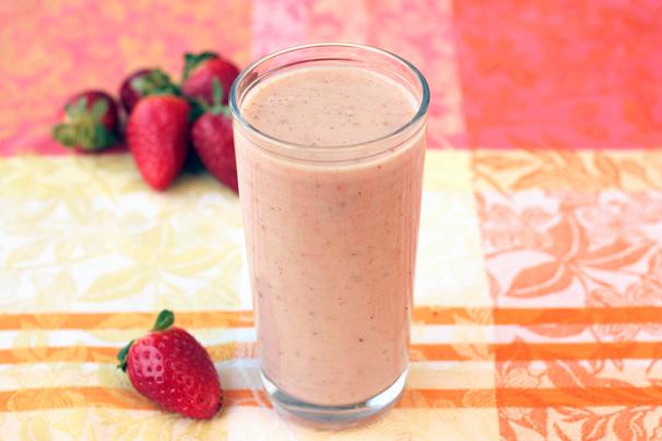 Strawberry-Banana-Almond-Smoothie-Spry.jpg