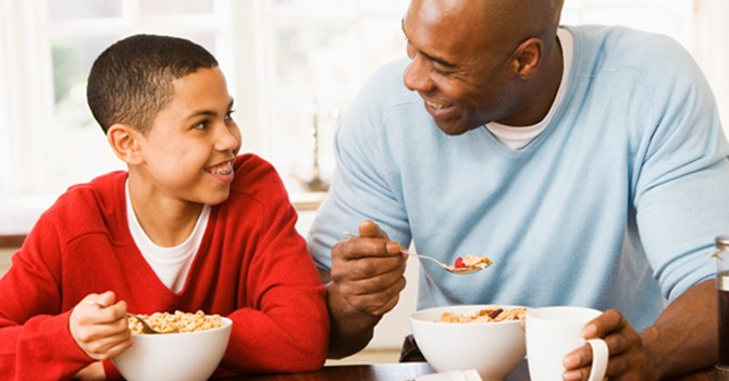 bad-eat-food-feed-child-teen-habit-junk-parent-conflict-disagree-family-diet-health-spry