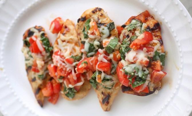 grilled-chicken-bruschetta-plate-health-spry