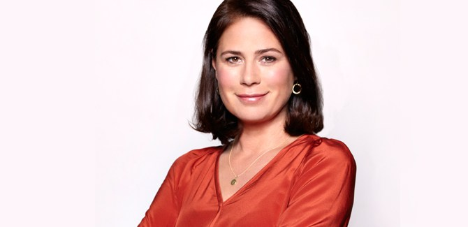 maura-tierney-er-breast-cancer-survivor-chemotherapy-amgen-awareness-myth-fact-women-health-issue-topic-spry