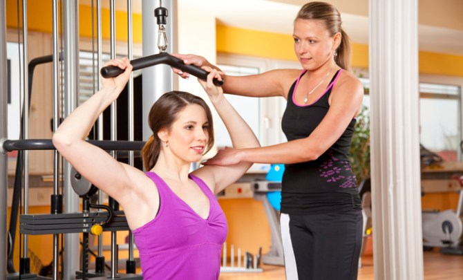 Personal-Trainer-Woman-Exercise-Workout-Spry