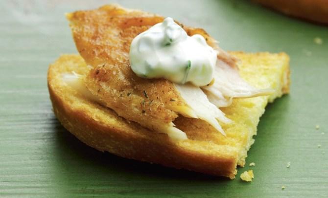 Crostini Smoked Trout with Sour Cream recipe.