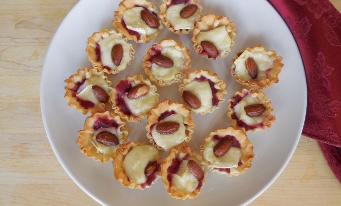Baked Brie Tartlets with Cranberry and Smoked Almonds (5)