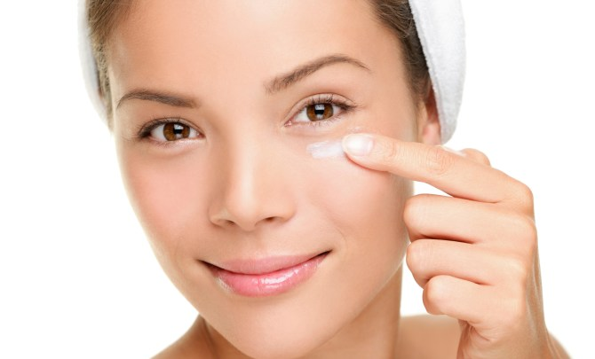 eye cream application