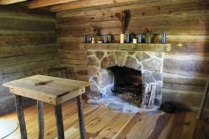 log-cabin-chapel