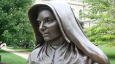 D20-MTG statue