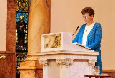 Sister Dawn Tomaszewski gives a warm reflection to Teresa, the Congregation and Associates.