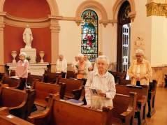 Sisters welcome Sister Teresa into the novitiate