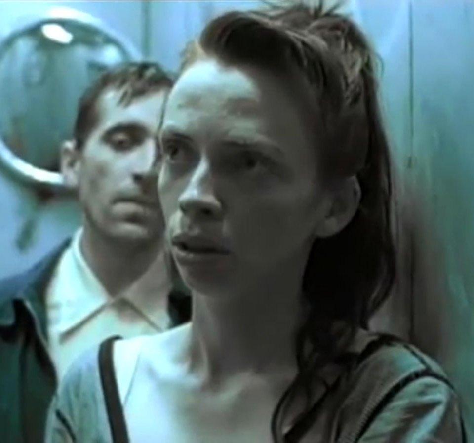 1998-04-01-Hefner-Sweetness-Lies-Within-videograb-16