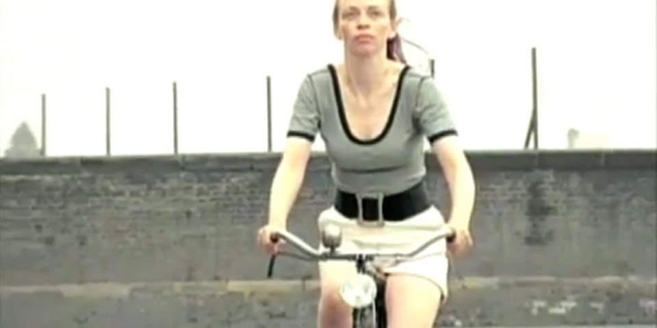 1998-04-01-Hefner-Sweetness-Lies-Within-videograb-25