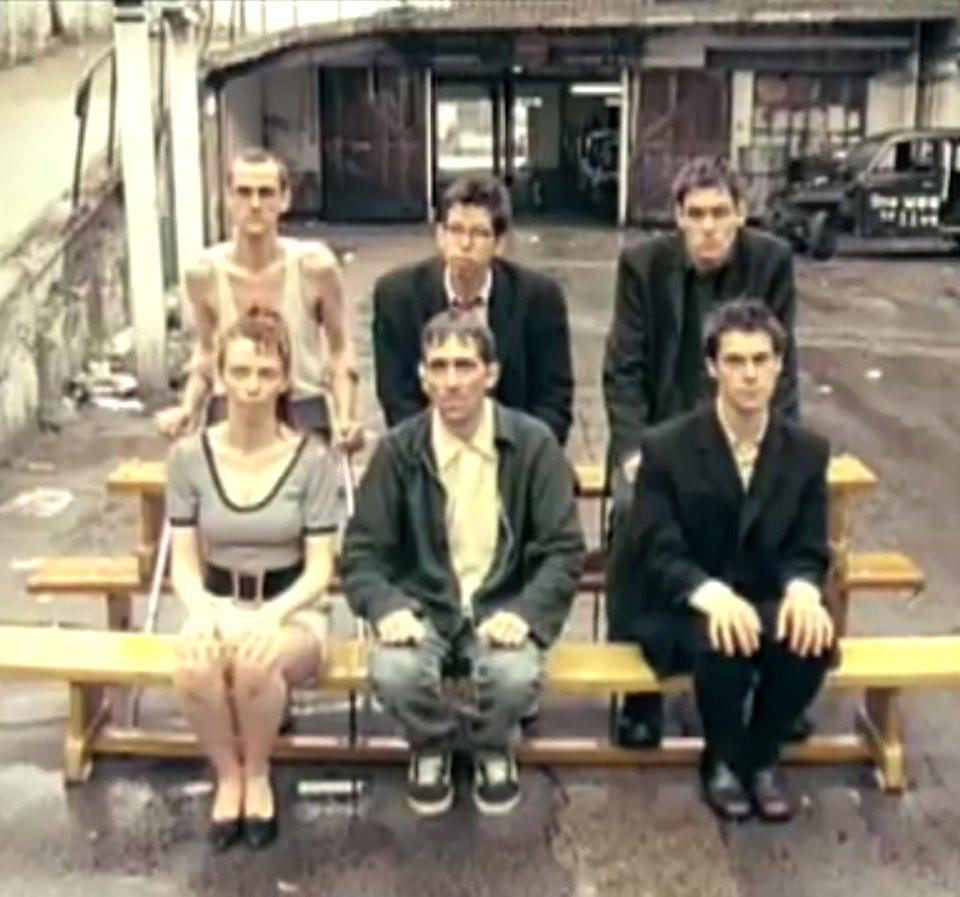 1998-04-01-Hefner-Sweetness-Lies-Within-videograb-28