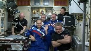 La Expedición 41 se comunica con el Centro de Control en Moscú. Foto: NASA TV.