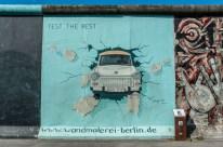 East Side Gallery, Trabbi,14 de mayo de 2012. Foto: Sven Herzbe