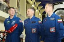 30 de Agosto de 2016: Los miembros de la Expedición 49, hablan con los periodistas, durante al inicio de dos días de exámenes para calificaciones finales. Crédito de la imagen: NASA / Stephanie Stoll.