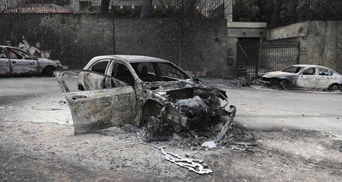 Εικόνα καταστροφής από την πυρκαγιά στην Ανατολική Αττική.