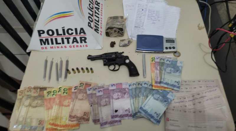 UNAÍ – Dois homens são presos e uma arma de fogo e drogas são apreendidas nos bairros Mamoeiro e Santa Clara