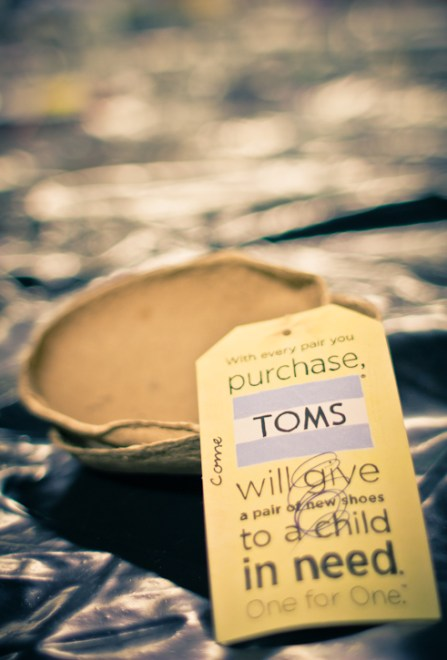 TOMS-Style-Your-Sole-Elmhurst-College-03