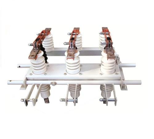Роз'єднювач змінного струму напругою 10кВ РВЗ(П)-10/630-УХЛ 2 з прохідним ізолятором