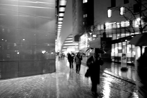 https://i1.wp.com/sqs.blogs.com/photos/uncategorized/2008/01/16/more_london_in_the_rain.jpg