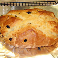 Super Easy Irish Soda Bread with Raisins