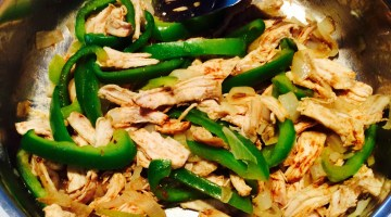 Easy Chicken Fajita Bar for Game Day or Fast Family Meals